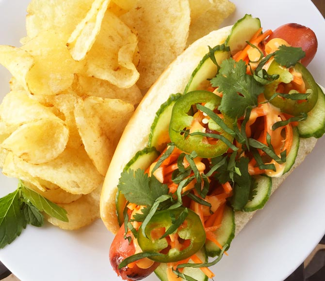 <strong>HOFFY</strong> BANH MI DOG